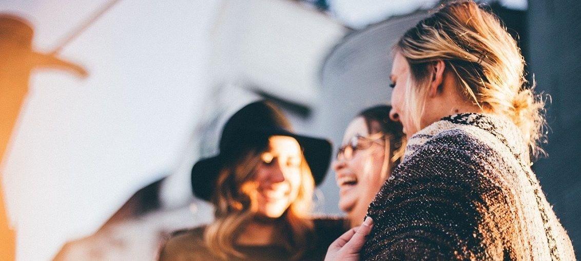 štěstí přátelé endorfín