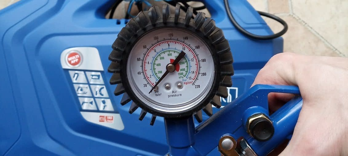 kompresor scheppach manometr